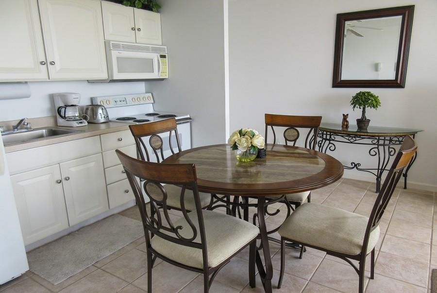 Efficiency Kitchen and Dining