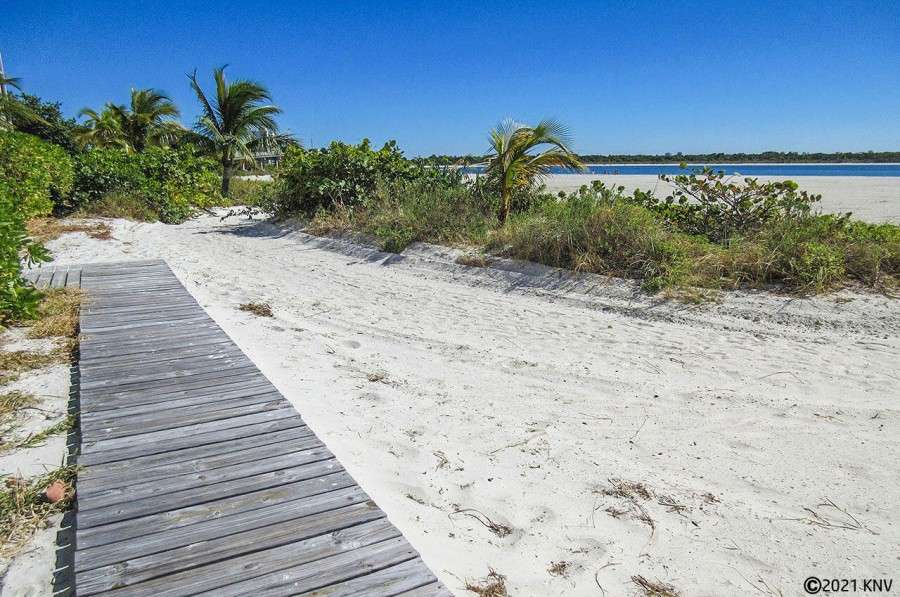 Beachfront at Islands End