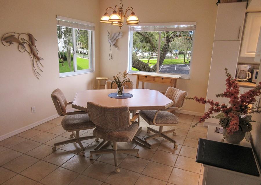 Casa Marina 141 Dining Area