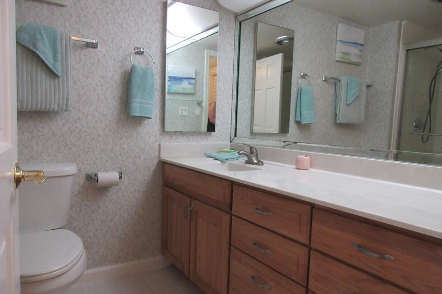 Master Bath at Creciente 413N