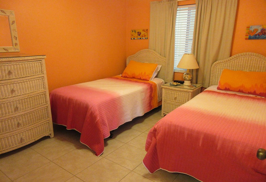 Estero Sands 103 - Bright and Cheerful Guest Bedroom
