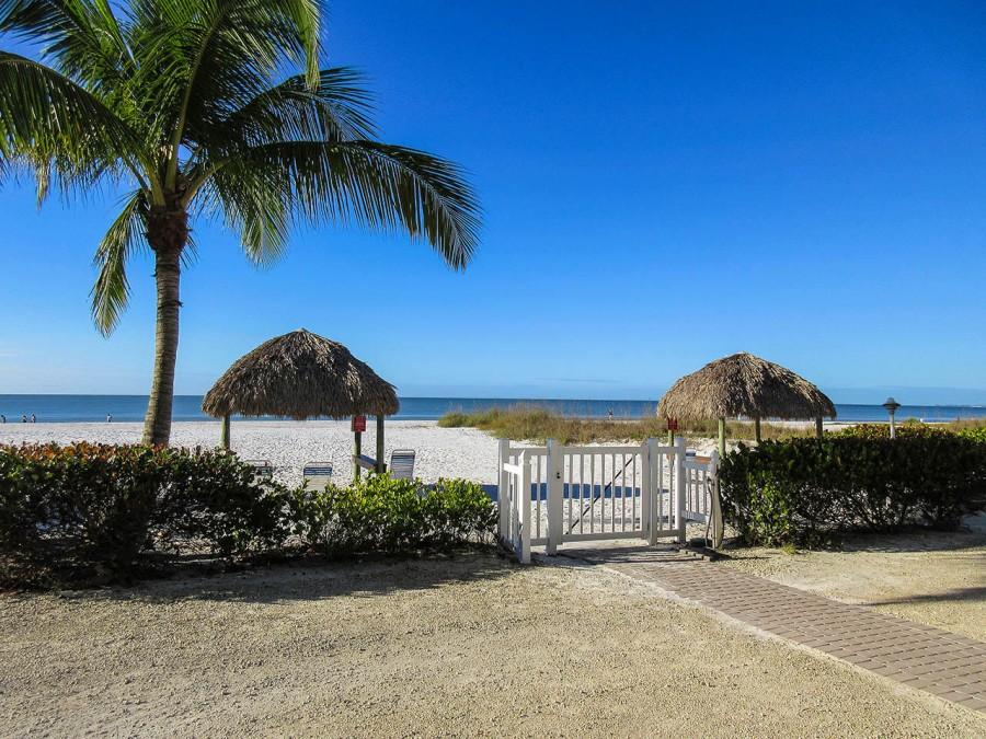 Estero Sands - Private Area On The Beach