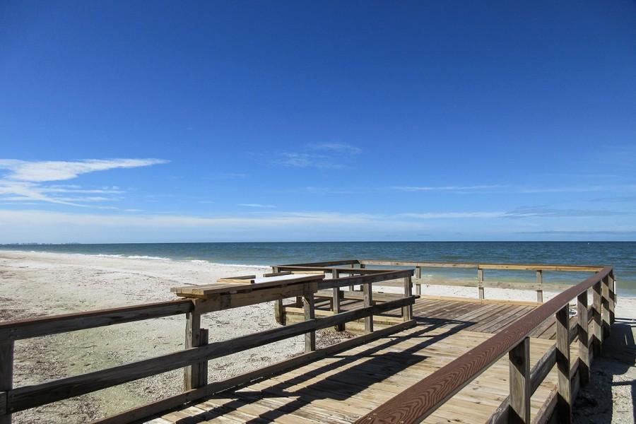 Leonardo Arms Beachfront