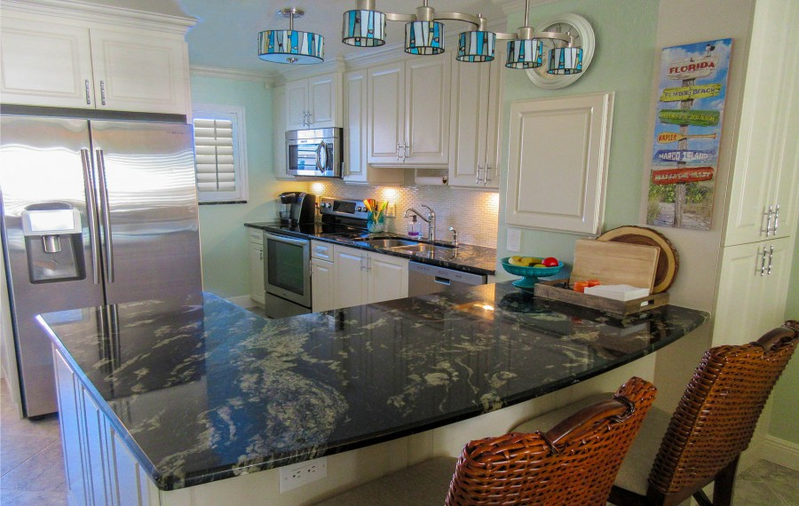 Leonardo Arms 503 Gorgeous Fully Equipped Designer Kitchen