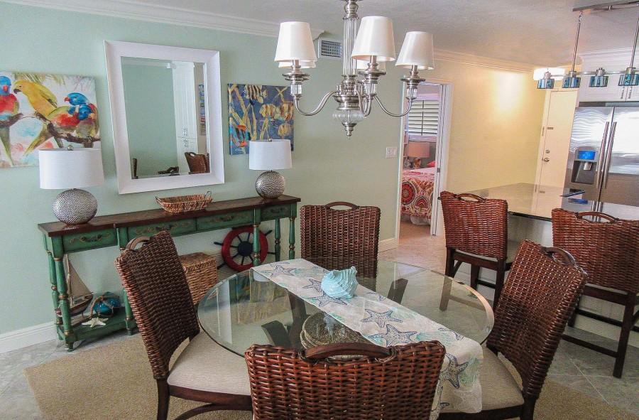 Leonardo Arms 503 Designer Vacation Home with Direct Gulf View