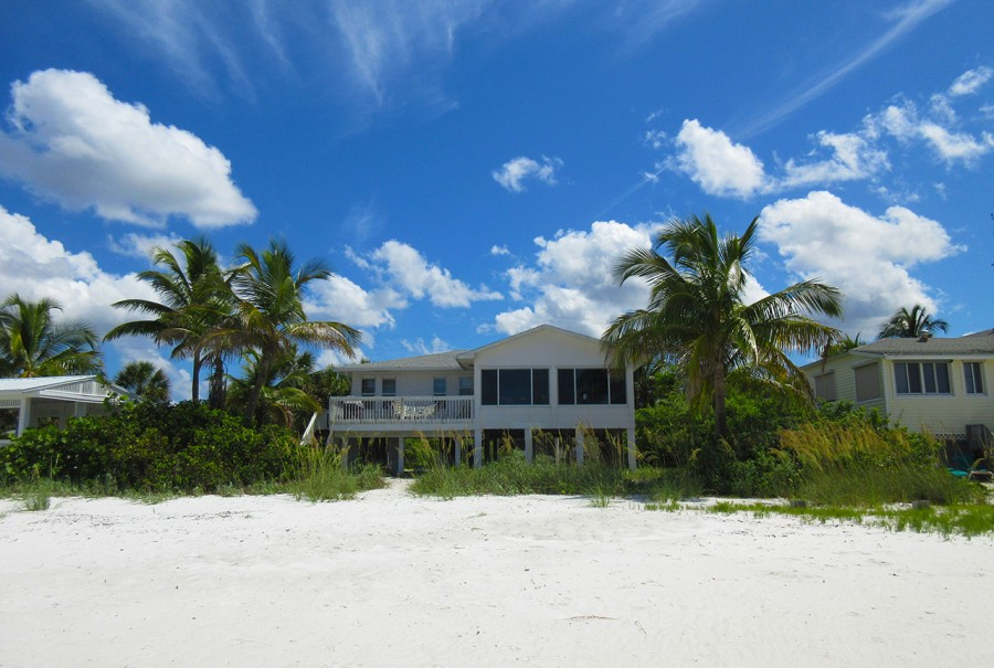 Mid-Island Beach House