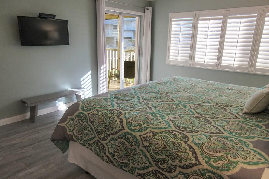 Sand Caper 108 Master Bedroom En Suite with TV