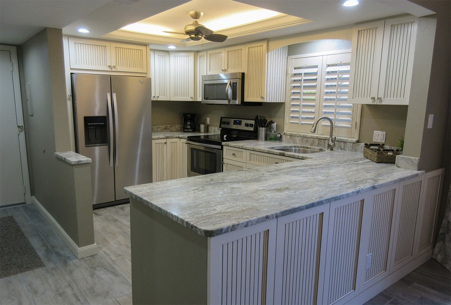 Sand Caper 108 Newly Remodeled Kitchen with new appliances