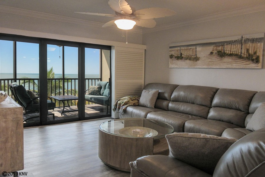 Riviera Club 406 Beachfront 2 Bedroom Vacation Condo
