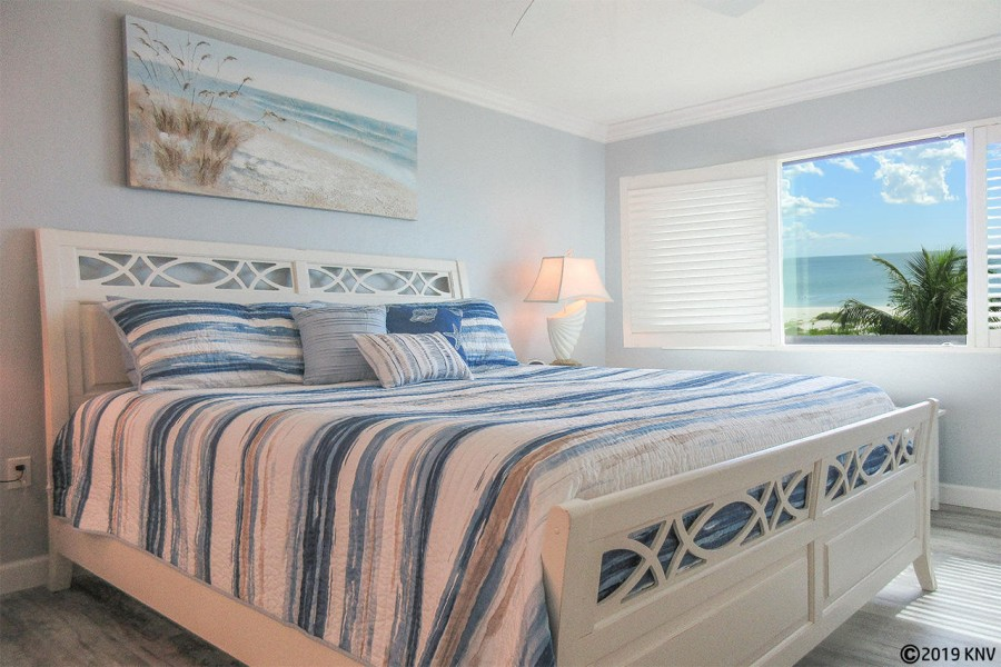 Riviera Club 406 Master Bedroom En Suite has been completely remodeled and professionally decorated