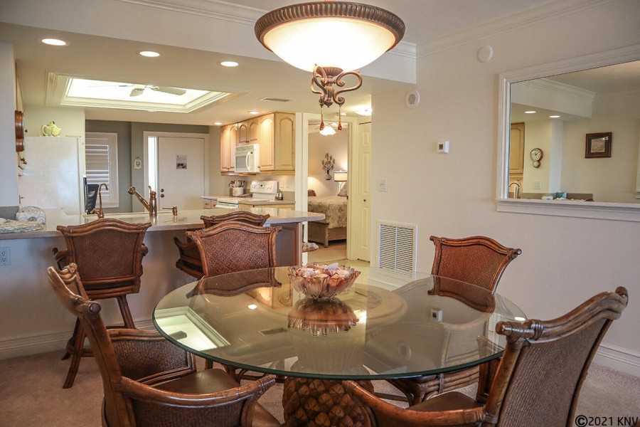 Beautiful Dining Table and Breakfast Bar