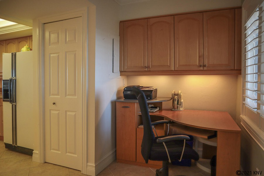 Office space at Harbour Pointe 1014S
