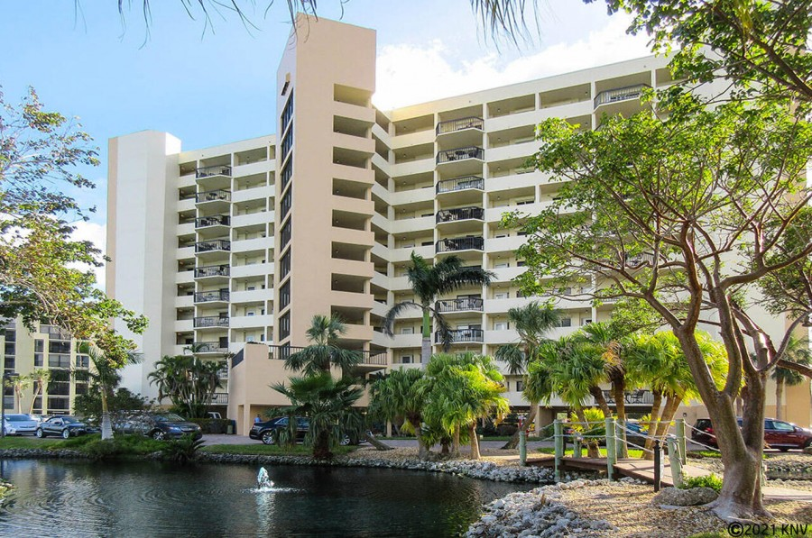 Harbour Pointe On The Bay Resort Condominiums