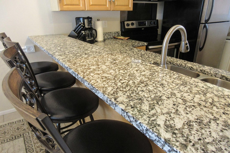 Granite Topped Breakfast Bar at Castle Beach 302