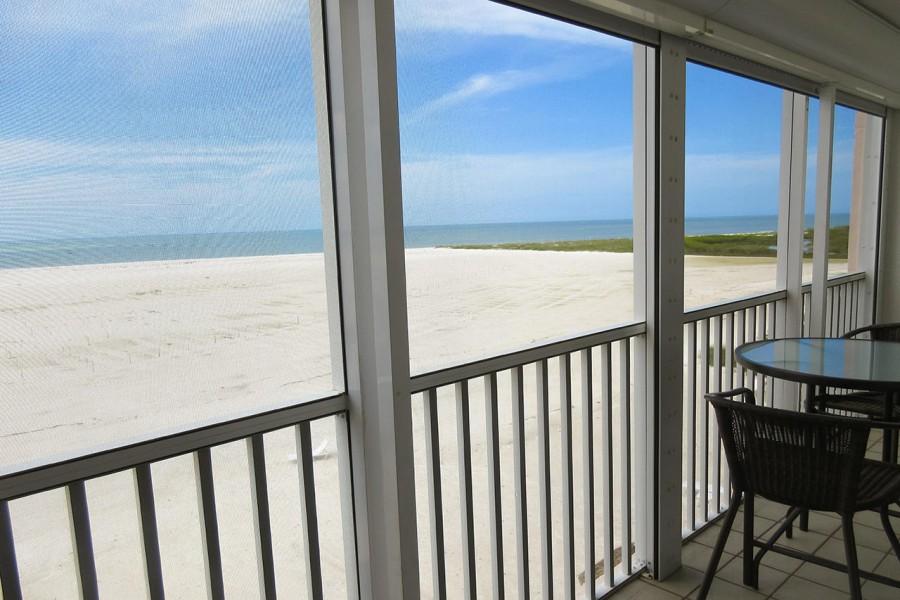 Castle Beach 302
