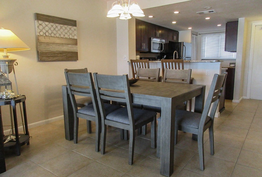 Dining Area at Carlos Pointe 424