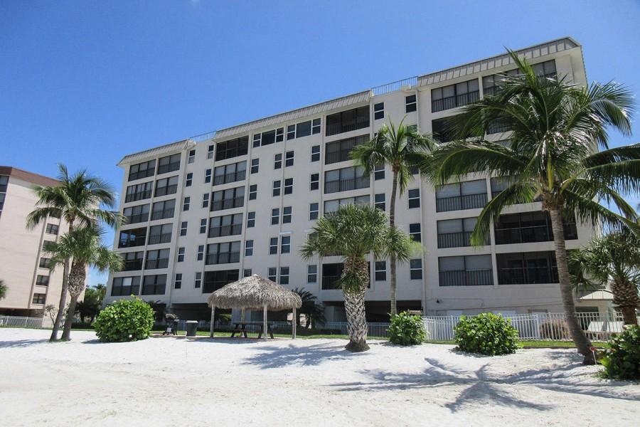 Eden House Beachfront Resort Condominiums has 7 miles of white, sandy beach in its backyard