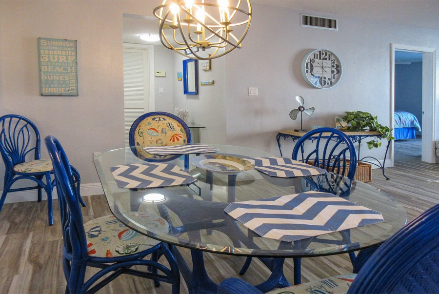 Newly Remodeled With A Professional Florida Flair - Creciente 213N