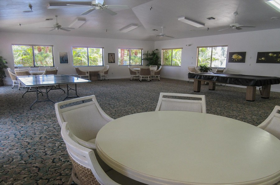 Social Room for Guests at Harbour Pointe