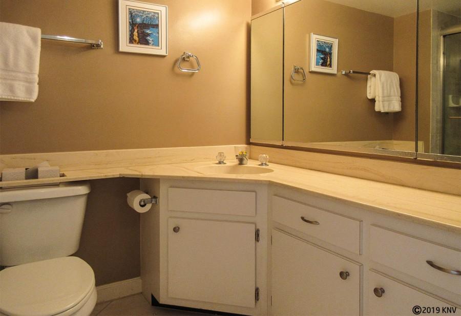 Master Bath at Creciente 913N