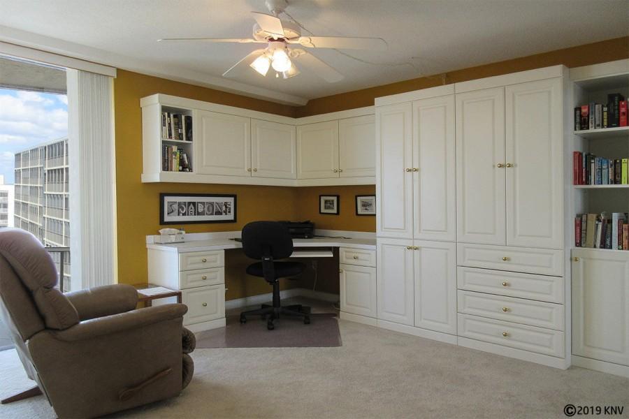 Guest Bedroom in Creciente 913N