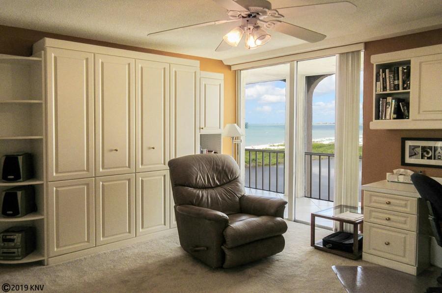 Guest Bedroom at Creciente 913N