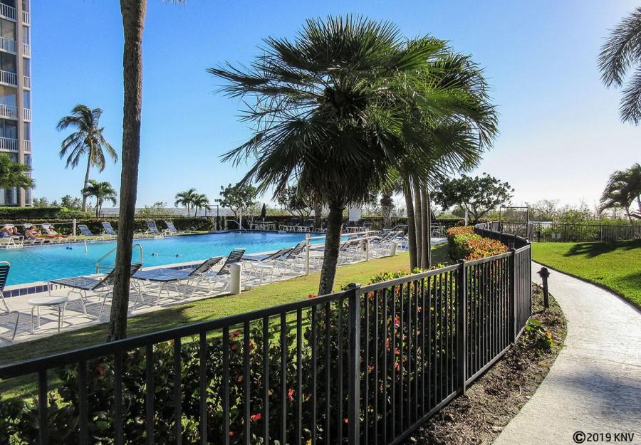 Creciente Beachfront Resort Condominiums