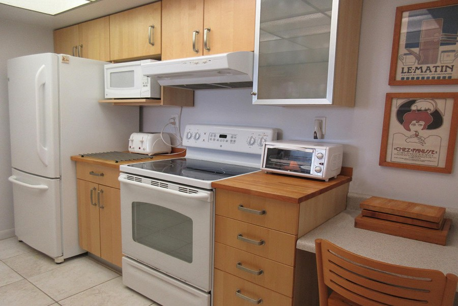 Kitchen at Sandarac 109B