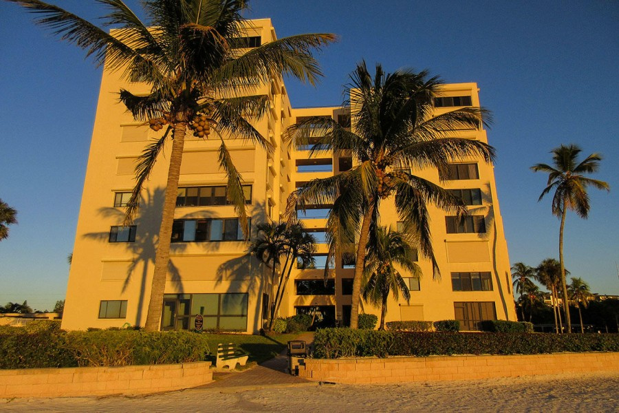 Sandarac Beachfront Resort Condominiums
