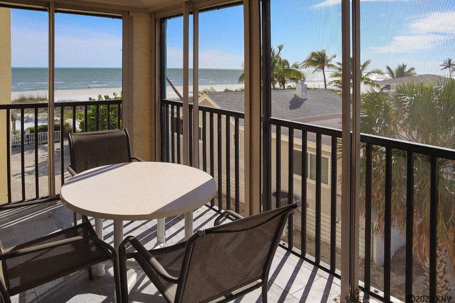 Hello Florida Sunshine...Welcome to Estero Sands 202 on Fort Myers Beach.