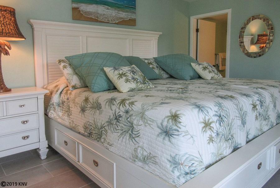 Master Bedroom En Suite features a comfy bed.