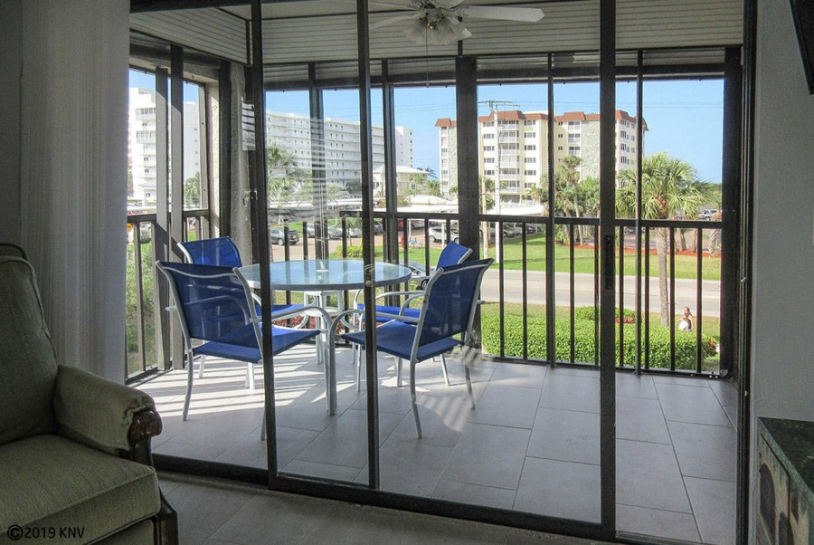 Screened In Lanai at this corner unit lets lots of sunlight in.