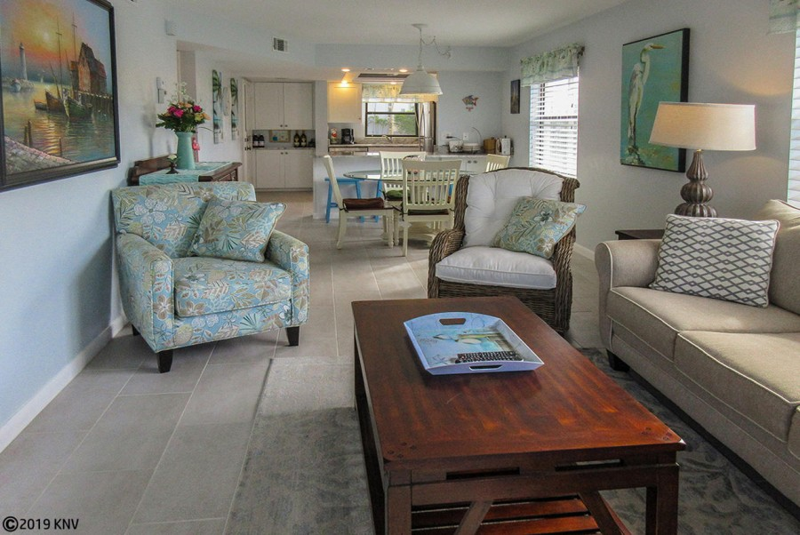 Lovely Estero Cove 521 decorated in island style