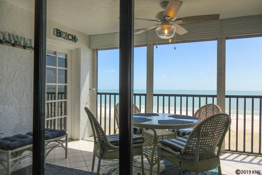 Magnificent Gulf View from your screened in lanai on the 9th floor
