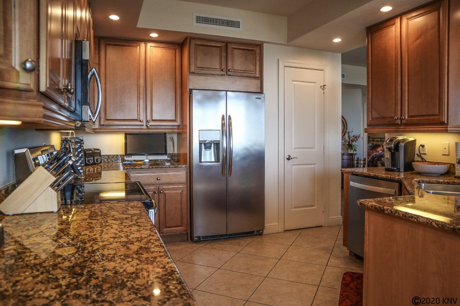Deluxe Kitchen at Waterside 785