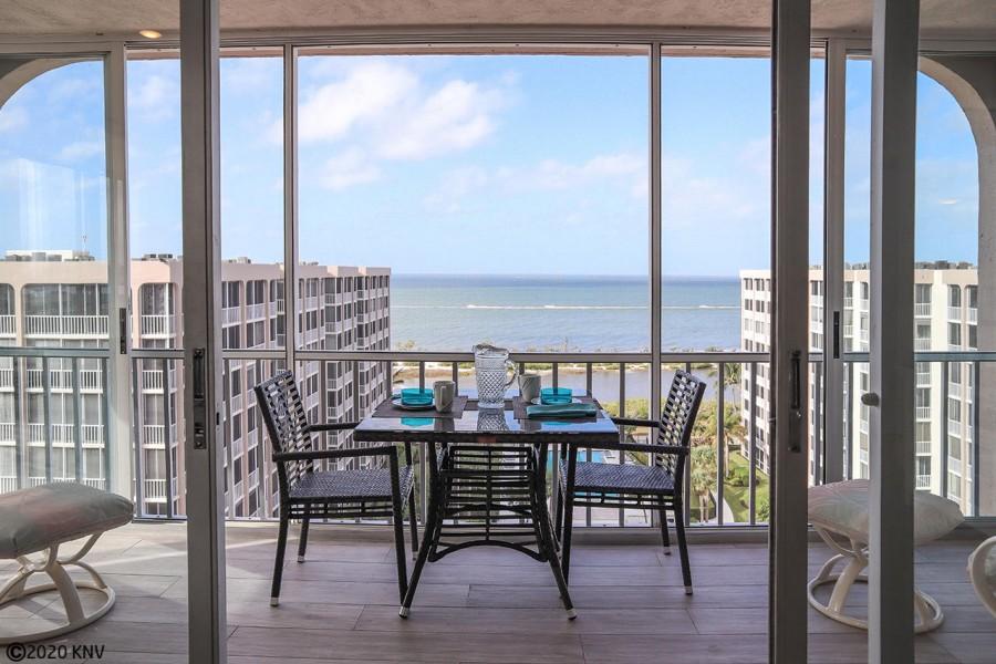 Hello Sunshine - Beachfront Penthouse offers amazing views