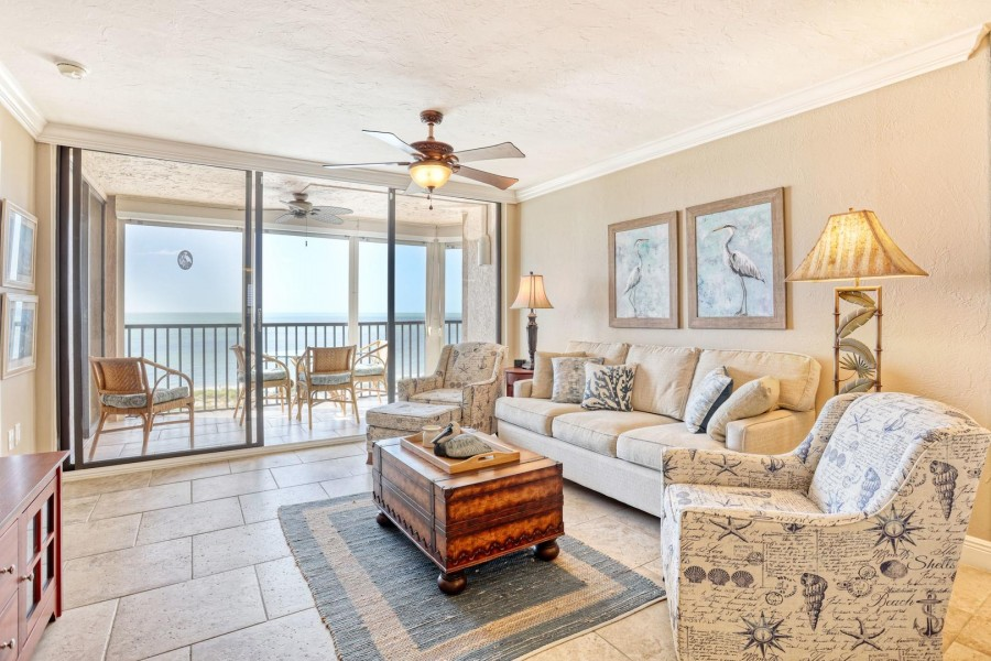 Shamron Beach 707 offers a spacious, light filled, comfortable living space