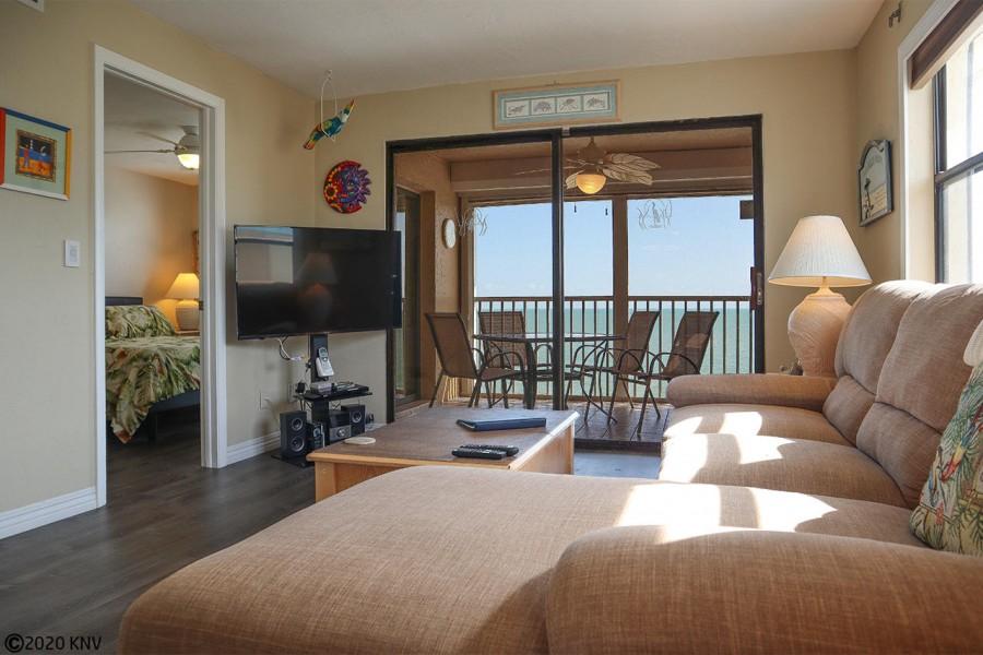 Comfortable accommodations at Smugglers Cove 6B7