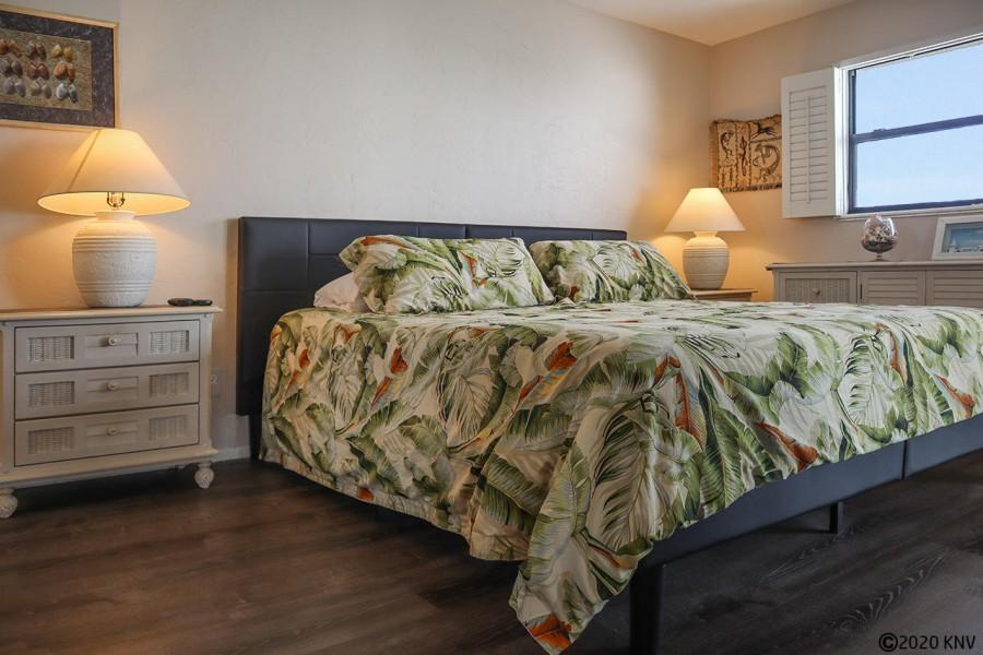 Master Bedroom at Smugglers Cove 6B7