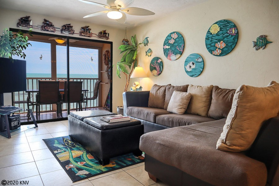 Fabulous Beachfront Vacation Condo on Fort Myers Beach