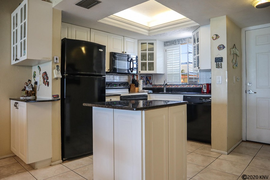 Wonderful Fully Equipped Kitchen