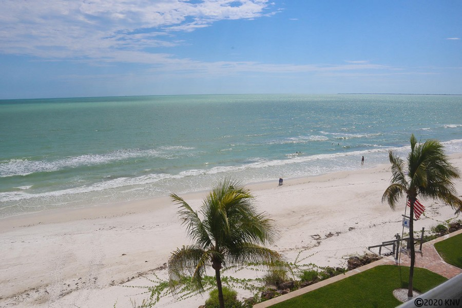 Gorgeous beachfront with 7 miles of white sugar sand and turquoise blue Gulf waters