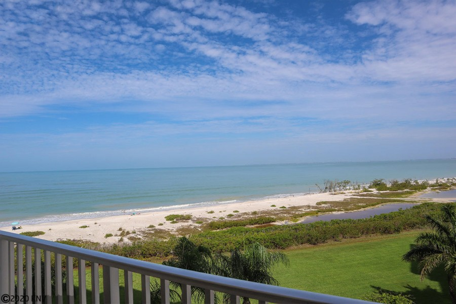 Fabulous Gulf View from your balcony.