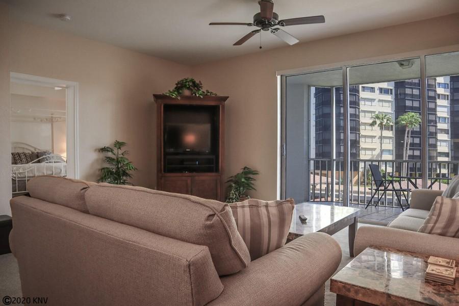 Air conditioned spacious 2 Bedroom, 2 Bath Vacation Condo with Water Views