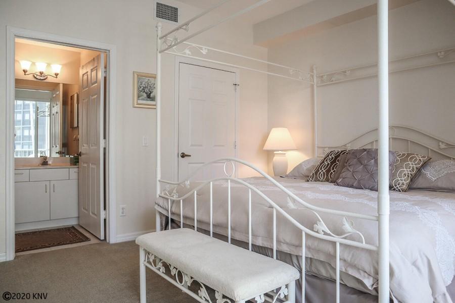 Master Bedroom En Suite is spacious.
