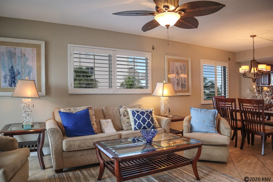 Comfortable seating for all to enjoy. Watch TV or just admire the Gulf view.
