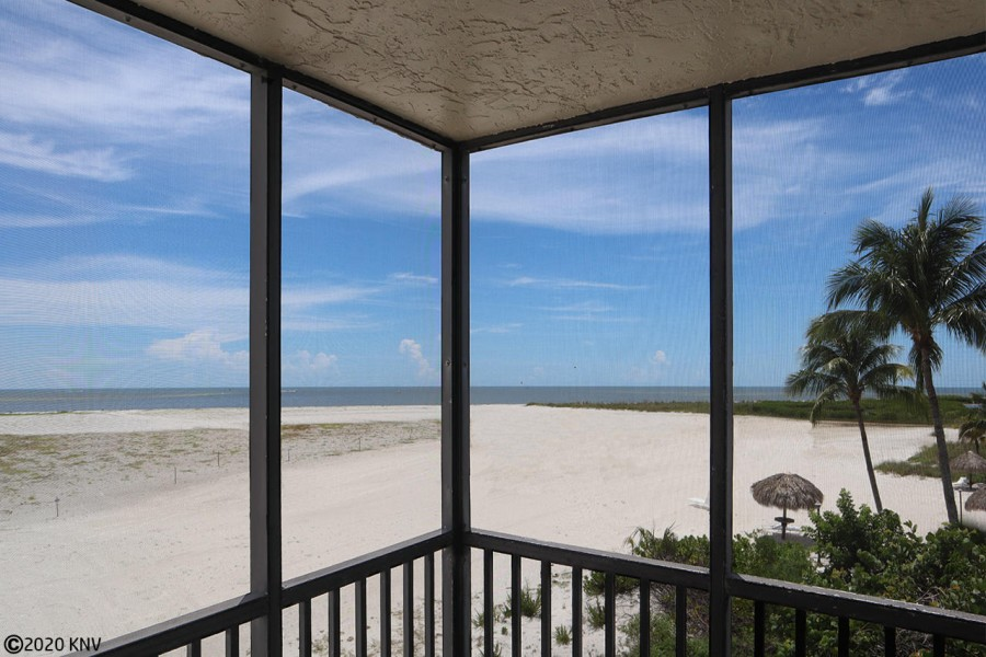 Enjoy the view from everywhere. Carlos Pointe 236 is a corner unit with a panoramic Gulf view