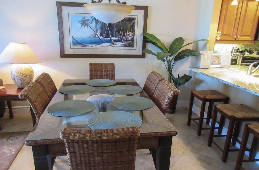 Carlos Pointe 612 Dining Area