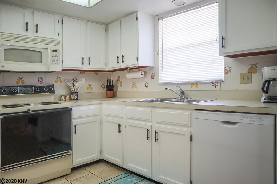 You can make all your meals at home when you stay at Royal Pelican 344
