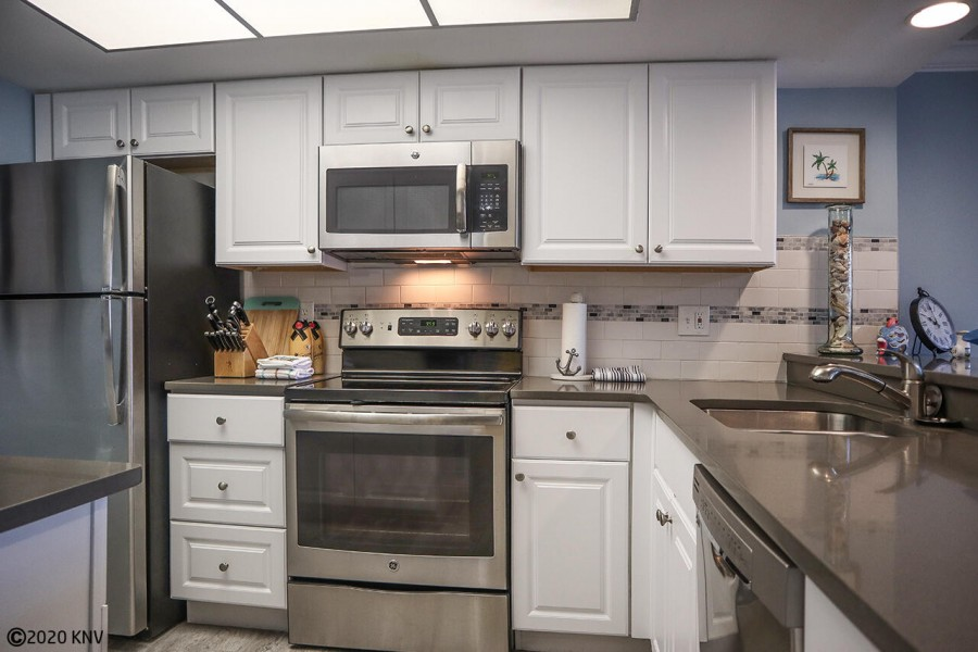 Enjoy this newly renovated kitchen with everything you need to make dining in an easy experience